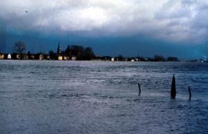 Boschpoort Hoog water bij grens Smeermaes 1984