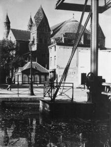 Graanmarkt 1960 met ophaalbrug O.L.Vrouwekade