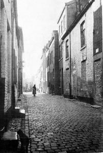 Raamstraat  met krotwoningen 1957