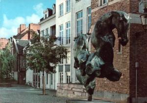 Thermen - 1970 met standbeeld