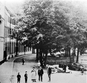 Grote Looierstraat met jeker 1899