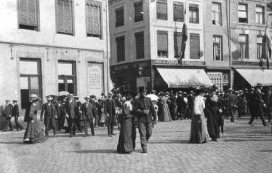 Vrijthof hoek Helmstraat Gr. Staat 1905